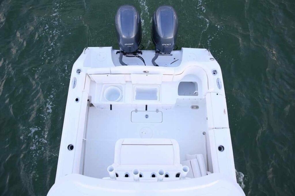 stern-anchor-locker
